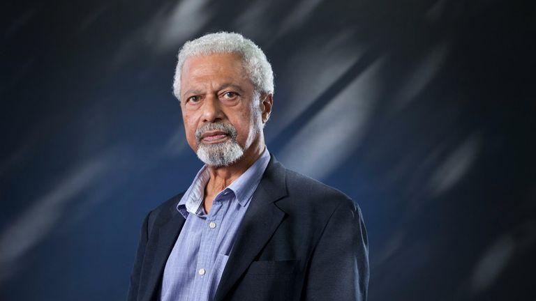 Abdulrazak Gurnah นักประพันธ์ชาวแทนซาเนียในสหราชอาณาจักร ปรากฏตัวในเทศกาลหนังสือนานาชาติเอดินบะระ  เครดิต: GARY DOAK / Alamy Live News - รหัสรูปภาพ: JXT62M (RM) PIC ALAMY
