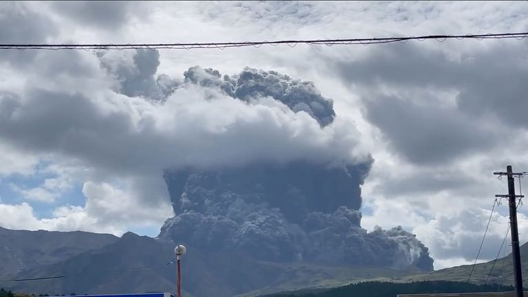 Smoke and ash are seen during an eruption on Mount Aso, a volcano in Kumamoto, Kyushu, Japan October 20, 2021, in this still image obtained from video. Courtesy of Twitter @ NINJA250_NBYK / Social Media via REUTERS ATTENTION EDITORS - THIS IMAGE HAS BEEN SUPPLIED BY A THIRD PARTY. NO RESALES. NO ARCHIVE. MANDATORY CREDIT Twitter / @ NINJA250_NBYK.