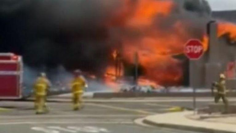 Firefighters rush to scene of California plane crash