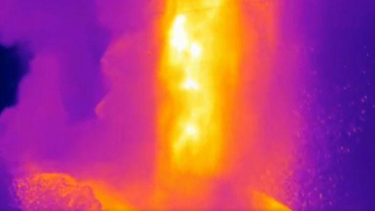 Thermographic image shows La Palma's volcano erupting