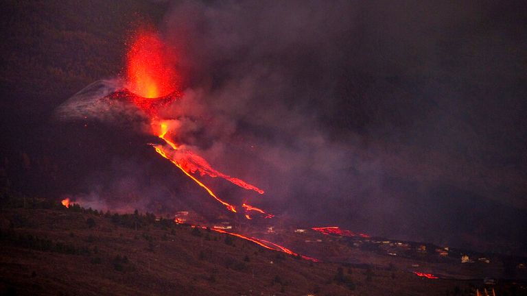 Another fissure forms along the Cumbre Vieja crater. Pic: AP