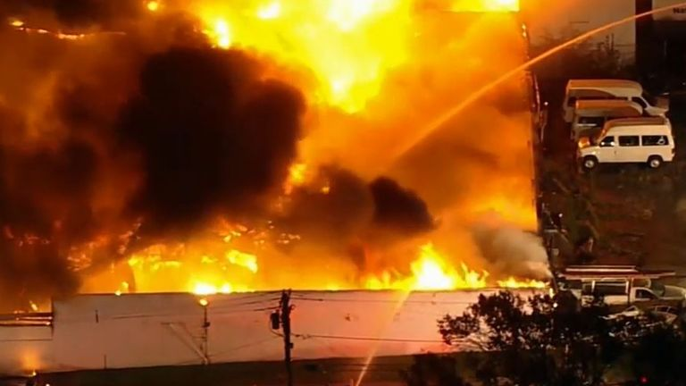 Firefighters tackle massive blaze in New Jersey