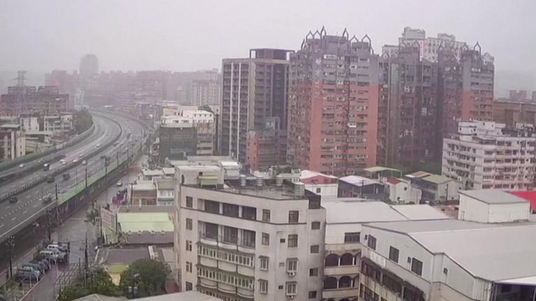 Surveillance camera shakes as 6.5 Magnitude earthquake hits Taiwan