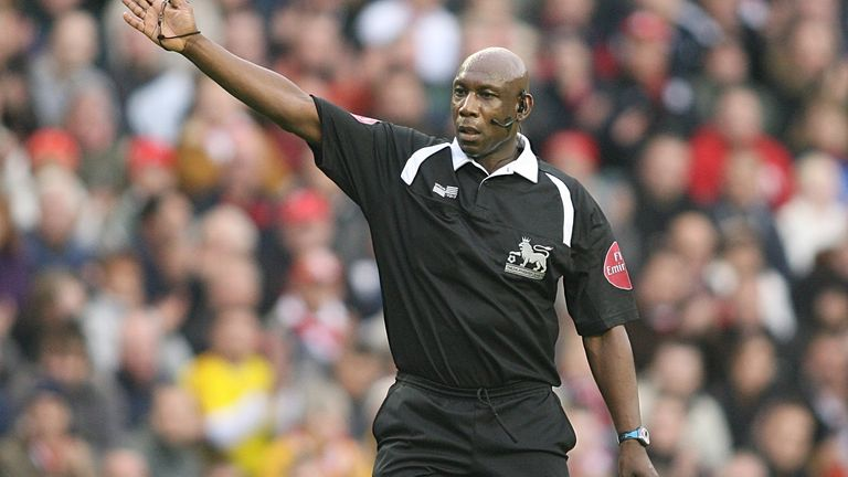 Uriah Rennie refereeing at Anfield in 2006