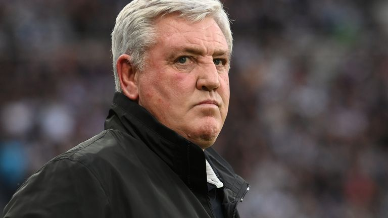 Steve Bruce look son during Newcastle's 3-2 defeat to Spurs on Sunday, his final game in charge